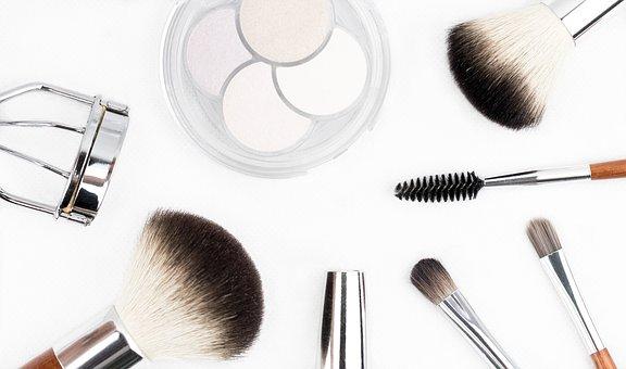 akcesoria do damskiego makijażu